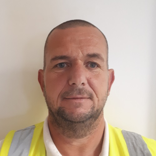 Darren Finnis– Decorating Supervisor