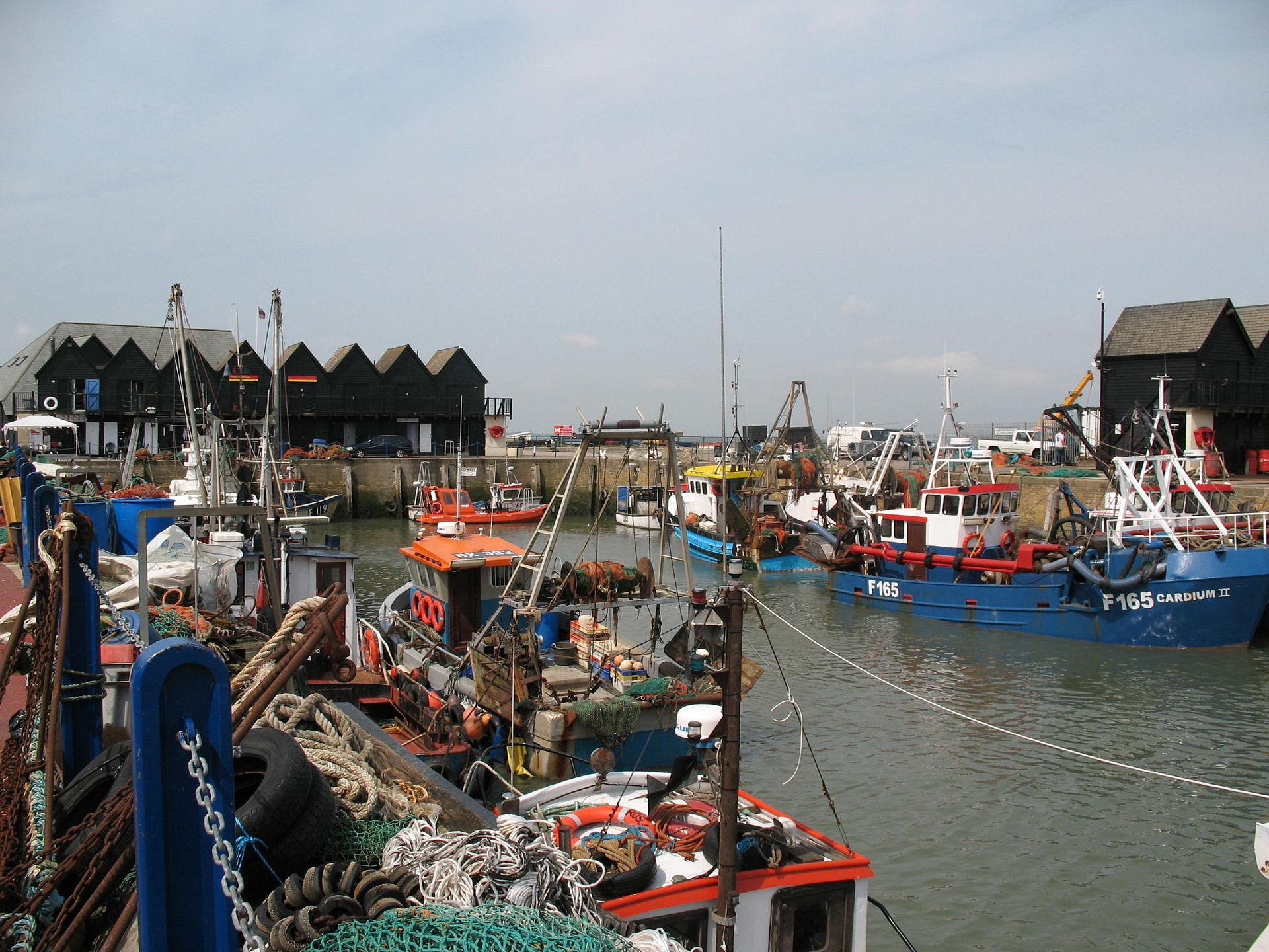Whitstable_Harbour,_Kent,_UK